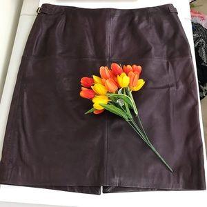 Hugo Boss Burgundy Lambskin Leather Skirt 12